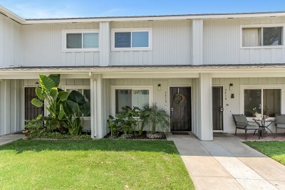 Simi Valley Condo/Townhouse For Sale: 3410 Highwood Court #171