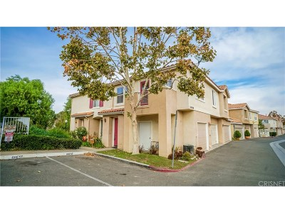 Canyon Country Condo/Townhouse For Sale: 18020 Flynn Drive #5705
