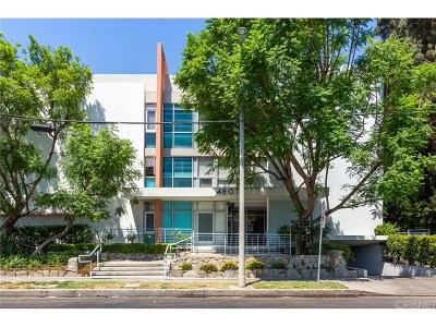 Encino Condo/Townhouse For Sale: 4807 Woodley Avenue #109
