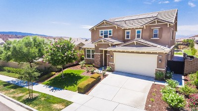 Saugus Single Family Home For Sale: 26473 Woodstone Place
