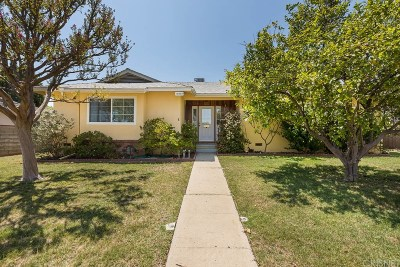 Granada Hills Single Family Home For Sale: 10909 Hayvenhurst Avenue
