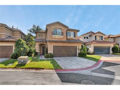 Canyon Country Condo/Townhouse For Sale: 27707 Thalia Lane