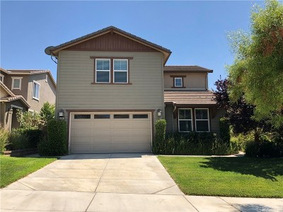 Saugus Single Family Home For Sale: 22592 Lamplight Place