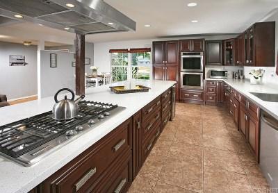 Canoga Park Single Family Home For Sale: 7641 Eton Avenue