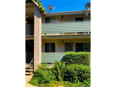 Sylmar Condo/Townhouse Active Under Contract: 13100 Bromont Avenue #25