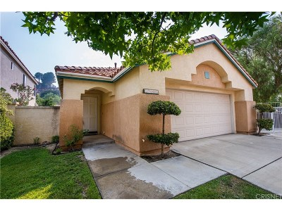 Newhall Single Family Home For Sale: 25902 Santa Susana Drive