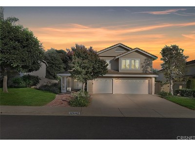 Moorpark Single Family Home For Sale: 12642 Crescentmeadow Court