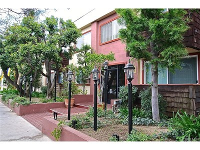 Encino Condo/Townhouse For Sale: 5414 Newcastle Avenue #51