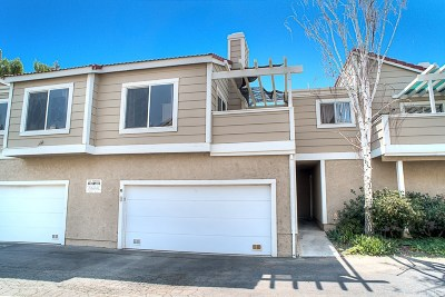 Castaic Condo/Townhouse For Sale: 31315 The Old Road #G