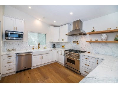 Woodland Hills Single Family Home For Sale: 22622 Cass Avenue