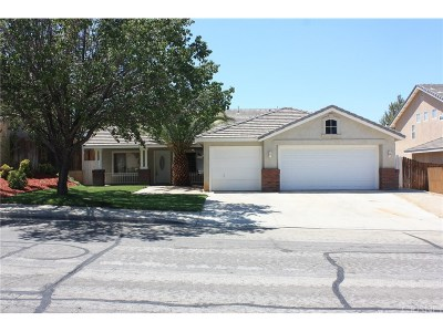 Palmdale Single Family Home For Sale: 40023 Vicker Way