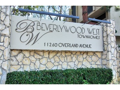Los Angeles County Condo/Townhouse For Sale: 11260 Overland Avenue #7E