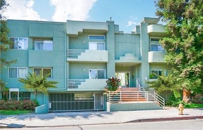 Studio City Condo/Townhouse For Sale: 10926 Moorpark Street #3