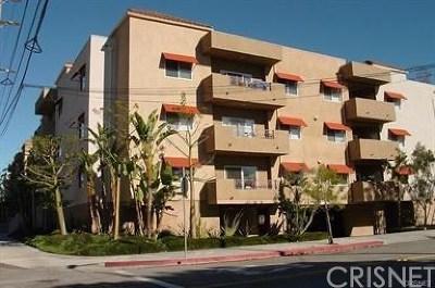 Northridge Condo/Townhouse For Sale: 9610 Zelzah Avenue #304