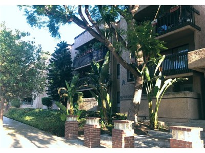 Woodland Hills Condo/Townhouse For Sale: 22100 West Burbank #306A