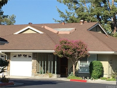 Newhall Condo/Townhouse For Sale: 26832 Circle Of The Oaks