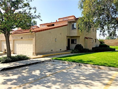 Thousand Oaks Condo/Townhouse For Sale: 131 Helecho Court