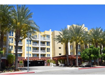 Woodland Hills Condo/Townhouse For Sale: 21301 Erwin Street #426