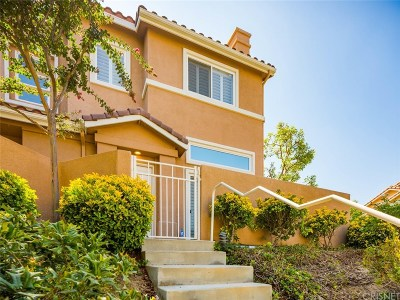 Stevenson Ranch Condo/Townhouse For Sale: 25754 Perlman Place #F
