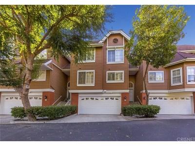 Woodland Hills Condo/Townhouse For Sale: 20950 Oxnard Street #34