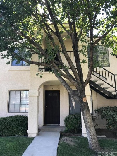 Palmdale Condo/Townhouse For Sale: 2554 Olive Drive #6