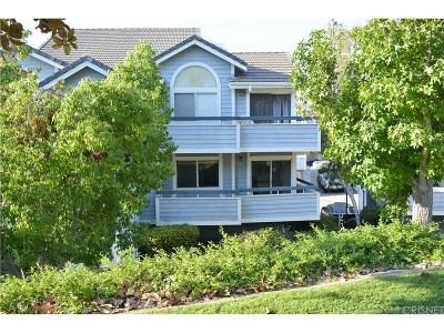 Canyon Country Condo/Townhouse For Sale: 20342 Fanchon Lane #127