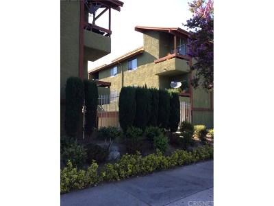 Tarzana Condo/Townhouse For Sale: 6151 Reseda Boulevard #13