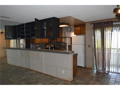 Tarzana Condo/Townhouse For Sale: 18530 Hatteras Street #218