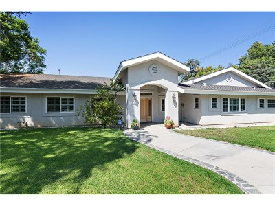 Los Angeles County Single Family Home For Sale: 22401 Oxnard Street