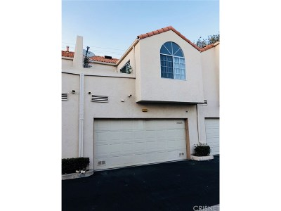 Chatsworth Condo/Townhouse For Sale: 22223 Shadow Valley Circle