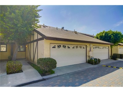 Northridge Condo/Townhouse For Sale: 17241 Roscoe Boulevard #12