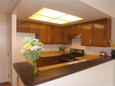 Canoga Park Condo/Townhouse For Sale: 6820 Remmet Avenue #302