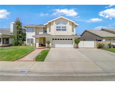 Moorpark Single Family Home For Sale: 11557 Coralberry Court