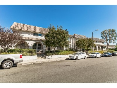 Newhall Condo/Townhouse For Sale: 24369 La Glorita Circle