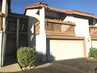 Newhall Condo/Townhouse For Sale: 20963 Judah Lane