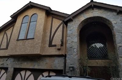 Los Angeles County Single Family Home Active Under Contract: 5415 Amestoy Avenue