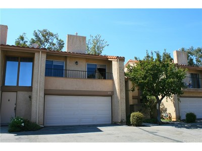 Porter Ranch Condo/Townhouse For Sale: 19547 Rinaldi Street #28