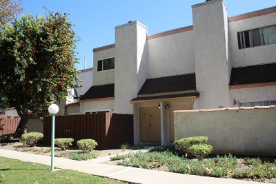 Canoga Park Condo/Townhouse For Sale: 8851 Independence Avenue #31