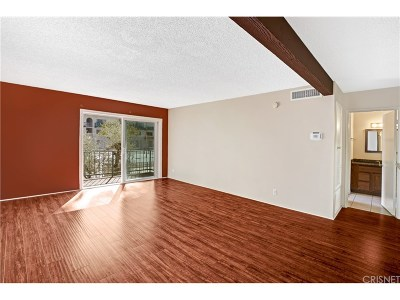 Encino Condo/Townhouse For Sale: 5460 White Oak Avenue #J204