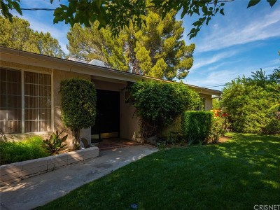 Granada Hills Single Family Home For Sale: 17233 Warrington Drive