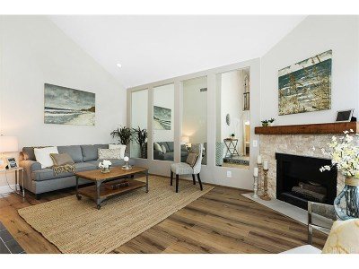 West Hills Condo/Townhouse Sold: 22718 Bassett Street
