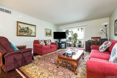 Encino Condo/Townhouse For Sale: 5460 White Oak Avenue #A203