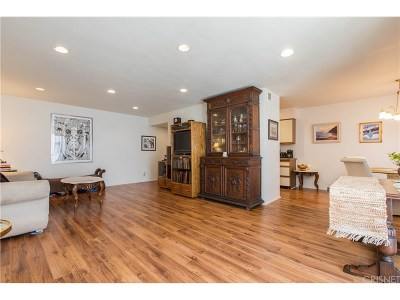 Sherman Oaks Condo/Townhouse For Sale: 4487 Colbath Avenue #204