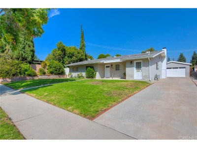 Northridge Single Family Home For Sale: 9818 Geyser Avenue