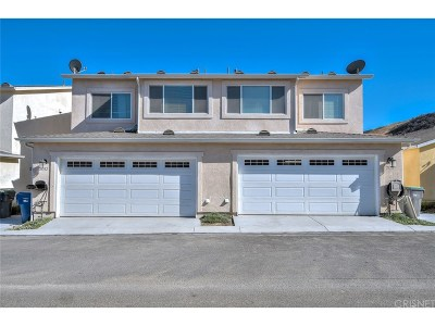 Saugus Condo/Townhouse For Sale: 21714 Jack Place