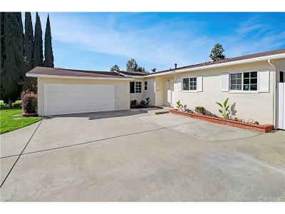 Northridge Single Family Home For Sale: 8415 Etiwanda Avenue