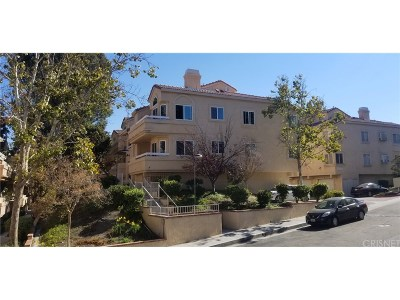 Newhall Condo/Townhouse For Sale: 19849 Sandpiper Place #134