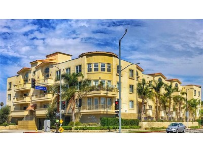 Reseda Condo/Townhouse For Sale: 6800 Corbin Avenue #109