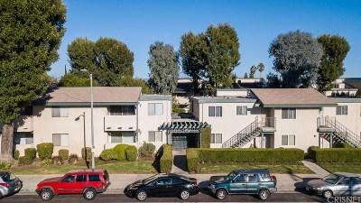 Granada Hills Condo/Townhouse For Sale: 10636 Woodley Avenue #43