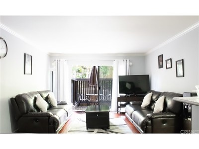 Tarzana Condo/Townhouse For Sale: 18350 Hatteras Street #117